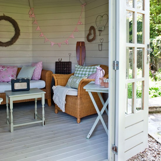 20 Summer House Design Ideas: Include Mix And Match Furniture