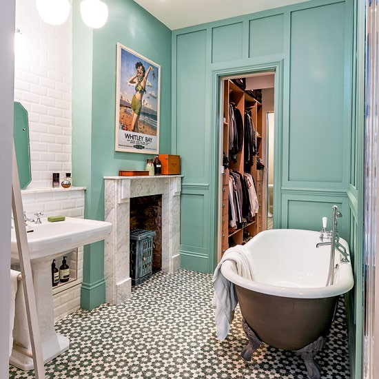 Flat Paint Bathroom: Be Inspired By An Eclectic Victorian Flat In