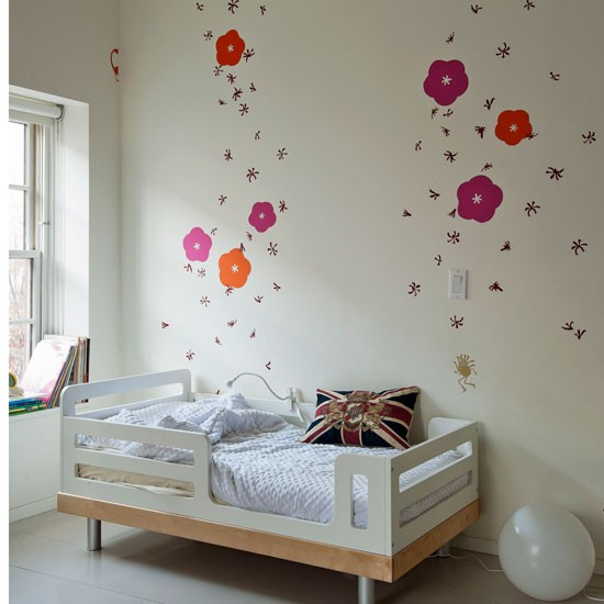 Bedroom Decorating Ideas With Flowers: Bedroom Decorating Ideas