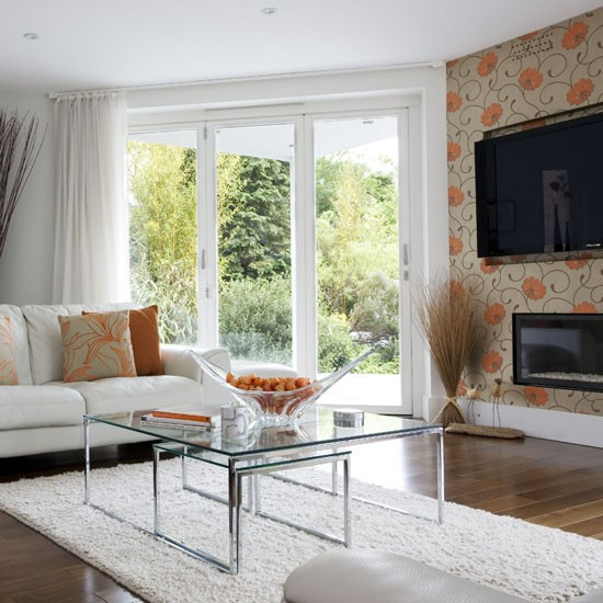 Use a floral wallpaper in an awkwardly shaped room - Feature wall living room ...