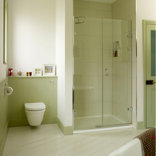 Green Bathroom With Alcove Shower