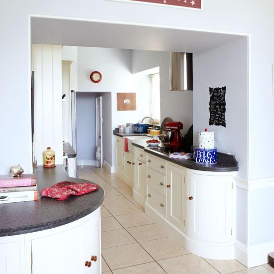 Bright Kitchen: Large Bright Family Kitchen