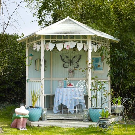 20 Summer House Design Ideas: Pale Blue Garden Summerhouse