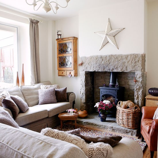 Country House Living Room: Tempting Texture