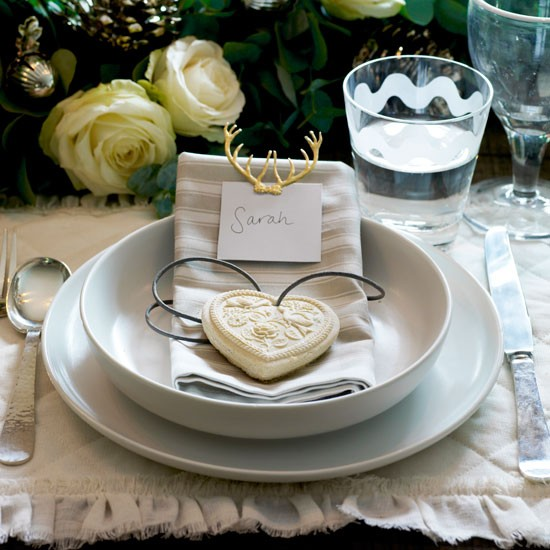 Holiday Place Settings: Pay Attention To Detail