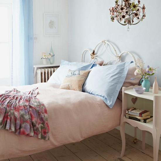 Bedroom Shabby Chic Wallpaper: Shaby Chic Bedroom Ideas: Décor, Furniture, Curtains