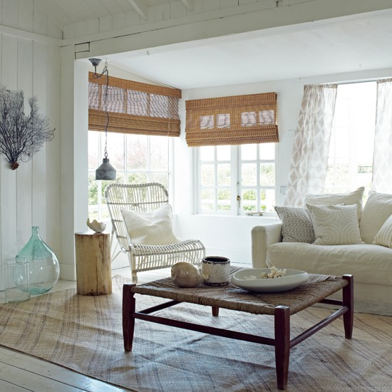Blue Seaside Decorating Small Apartment Living Room: White Coastal Living Room