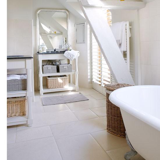 English Country Bathroom Designs: Vicky's Home: Un Granero Restaurado / A Renovated Barn