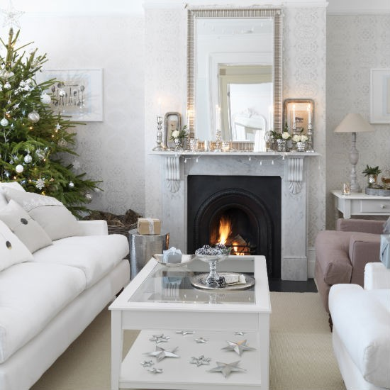 Simple silver christmas living room christmas living - Living room christmas decor ideas ...