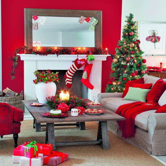 Classic Scarlet And Gold Christmas Living Room