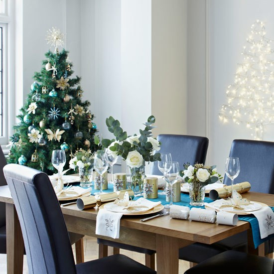 Go for a modern teal scheme | Christmas decorating ideas | PHOTO GALLERY | Style at Home | Housetohome