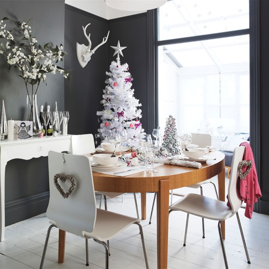 Christmas Dining Room Ideas To Add A Flourish To Christmas: Add White And Warm Wood Accents