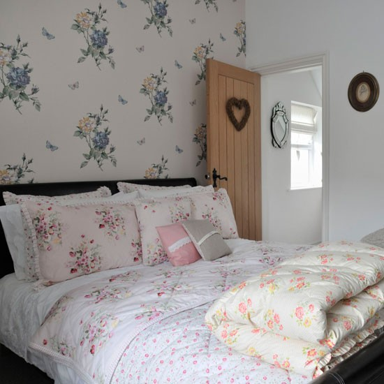 How To Decorate A Cosy And: Cosy Bedroom Decorating Ideas - 10