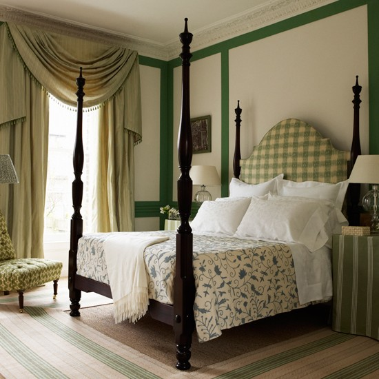 Green Bedroom With Four Poster Bed Decorating Ideas
