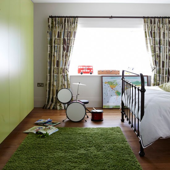 Green Kids Room: Older Child's Room In Forest Green