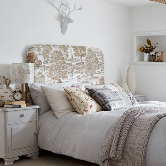 Bedroom Decorating Ideas Totally Toile: White Country Bedroom With Toile Headboard
