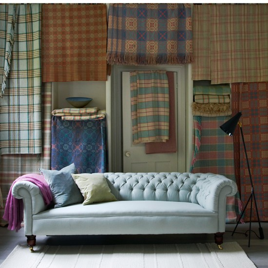 Plaid living room with chesterfield sofa - Chesterfield sofa living room ideas ...