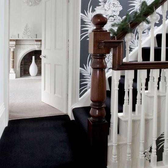 Hallway Decorating Ideas: Monochrome Hallway