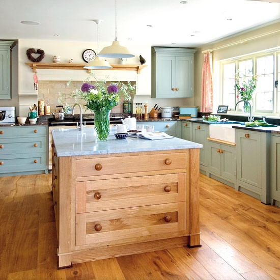 Shaker-style Country Kitchen
