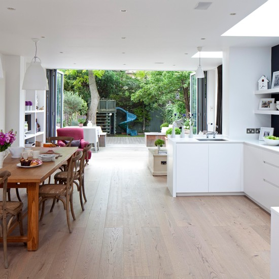 Light Open-plan Kitchen
