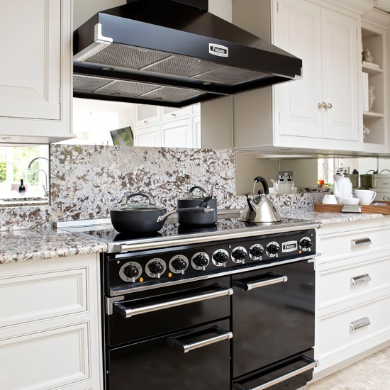 Black And White Kitchen: Black And White Classic Kitchen