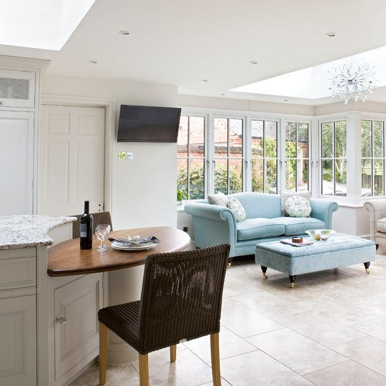 White Kitchen Designs On Open Plan: White Open-plan Conservatory