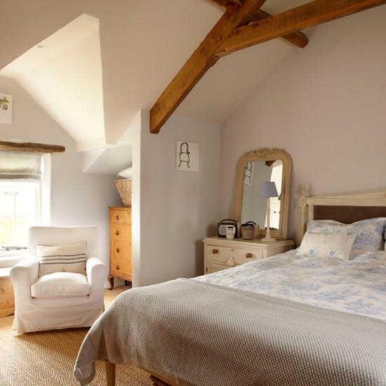 Cottage Bedroom With Wood Beams Housetohome Co Uk