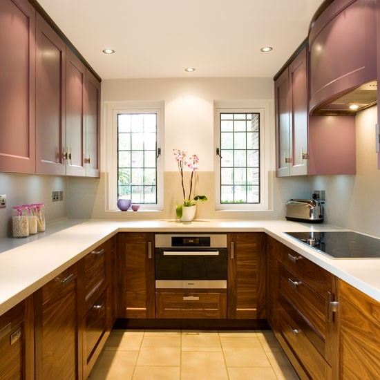 Small U Shaped Kitchen Design: Traditional Double-sided Kitchen