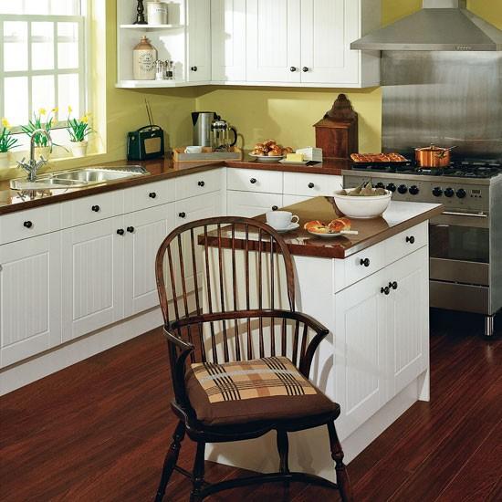 Small Kitchen Design Ideas Uk: Classic Kitchen With Island