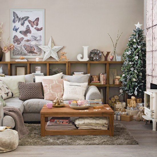 Christmas Decorated Living Rooms: Spruce And Clove Christmas Living Room