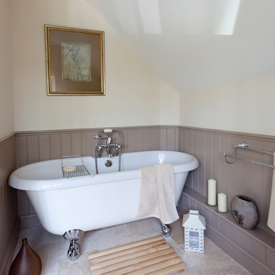 Wood Cladding Bathroom Walls: Lilac And Cream Bathroom