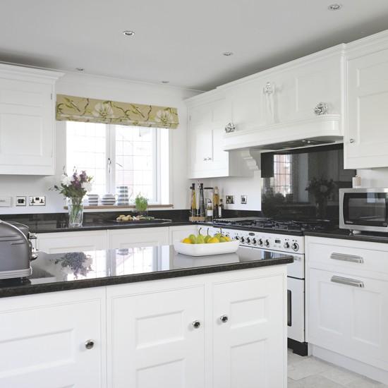 Monochrome Shaker-style Kitchen