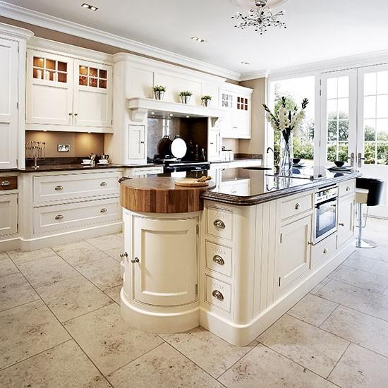 Cream Kitchen Ideas That Will Stand: Traditional Kitchen Design Ideas