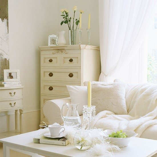 White Living Room Ideas: Cream And White Living Room