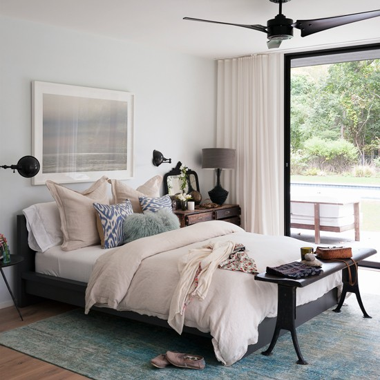 Cream And Black Bedroom Decorating Ideas Bedroom Furniture Latest Designs Bedroom Sets Gray Paris Bedroom Wall Decor: Turquoise And White Bedroom