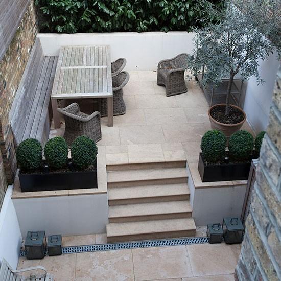 Simple Terrace Garden: Limestone Terrace Garden