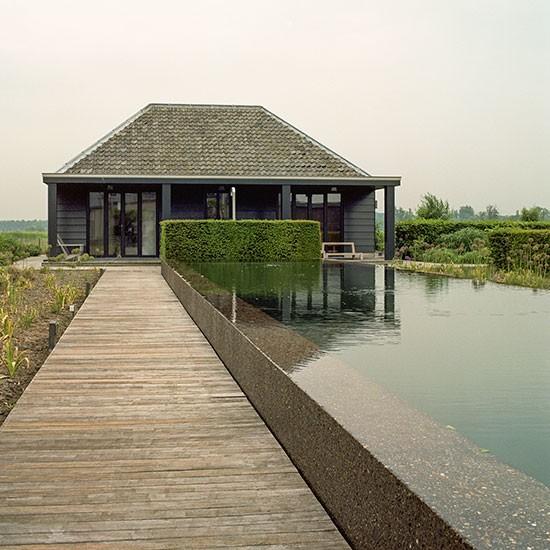 Housetohome Co Uk: Modern Garden With Pavilion