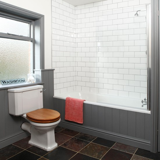 Grey And White Panelled Bathroom: Grey And White Tiled Bathroom