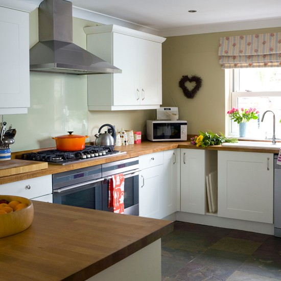 25 White And Wood Kitchen Ideas: Beech Wood And White Kitchen