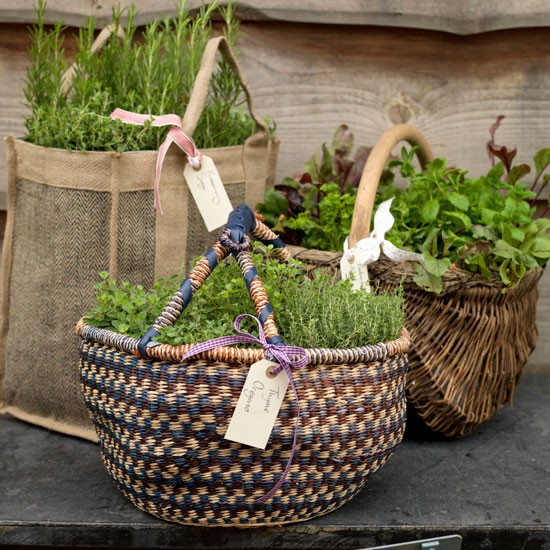 Patio Herb Garden Idea: Country Garden Ideas