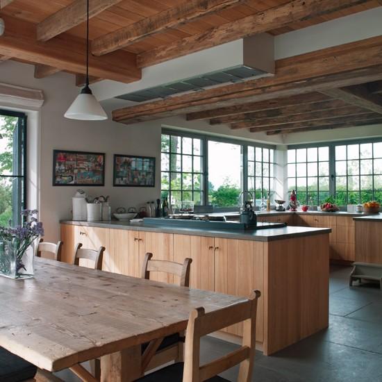 Housetohome Co Uk: Oak-beamed Kitchen Diner