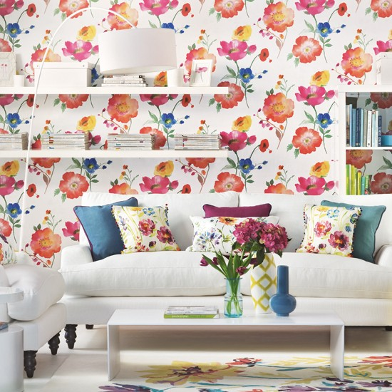 Bold Room Designs: Living Room With Bold Floral Wallpaper