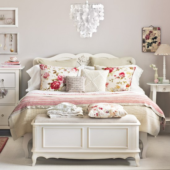 Shabby Chic Vintage Bedrooms: Vintage Design Ideas To Transform Your Bedroom