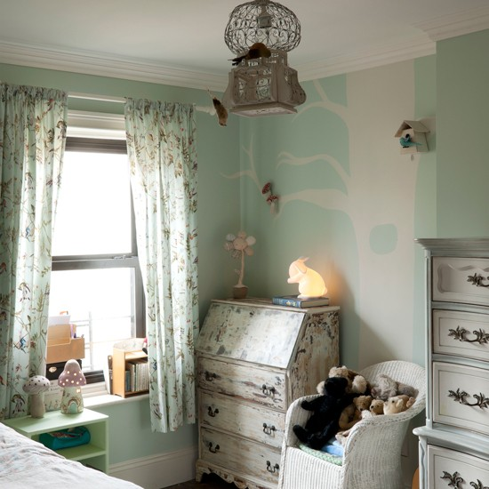 French Bedroom Design Ideas: Child's French Inspired Bedroom