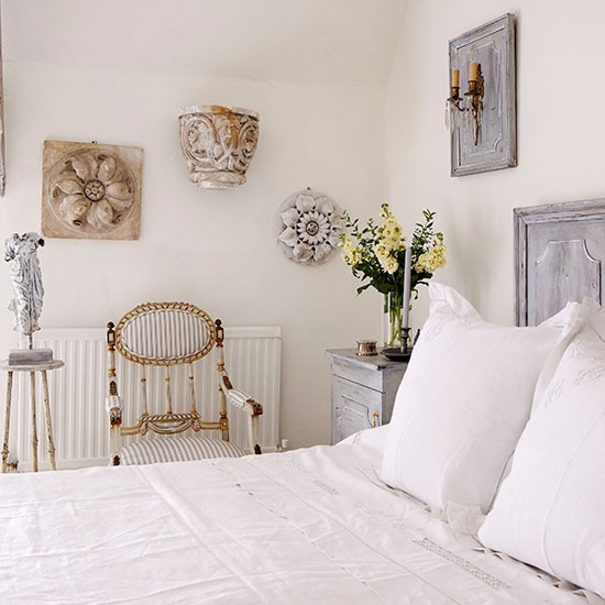 Cool White Bedroom With Wall Art