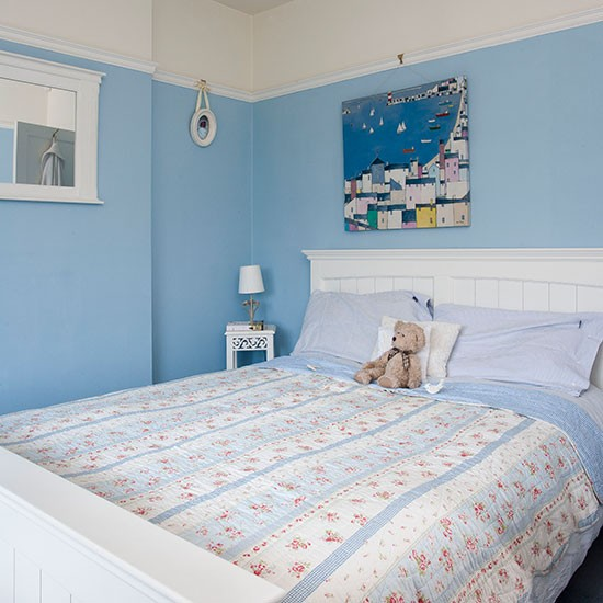 Pretty blue and white bedroom | Bedroom decorating ...