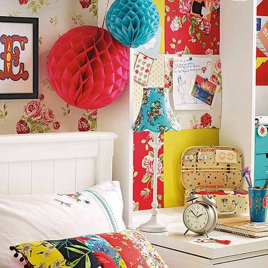 Boho Chic Bedroom: Colourful Boho Chic Girl's Bedroom