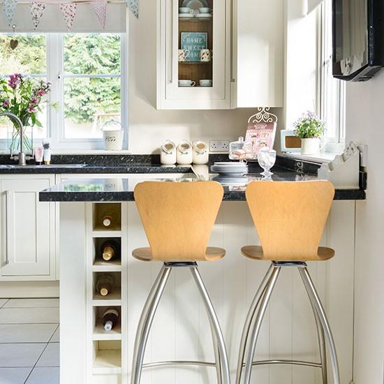 Mfi Kitchen Cabinets: Cream Kitchen With Breakfast Bar