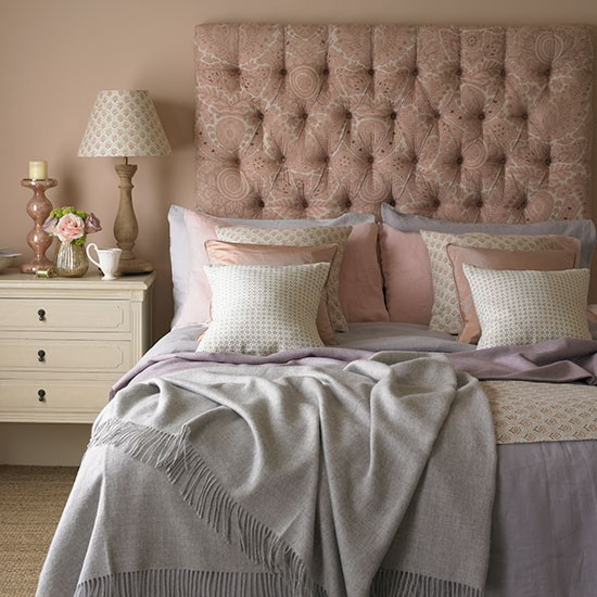 Rose and quartz bedroom | Decorating with country colours ...