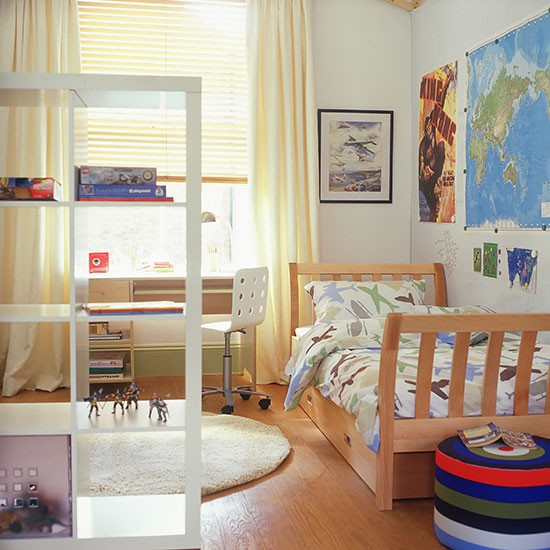Child S Room: Open Shelving In A Child's Room